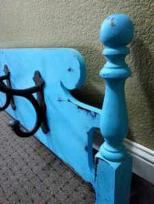 Up-cycled bed foot board. www.lifeatthecottage.com