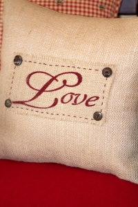 Burlap screen printed pillow www.lifeatthecottage.com