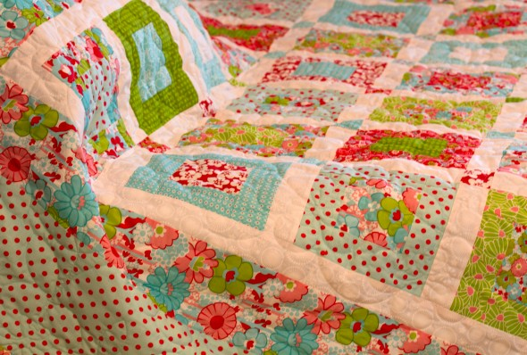 Colorful Quilt www.lifeatthecottage.com