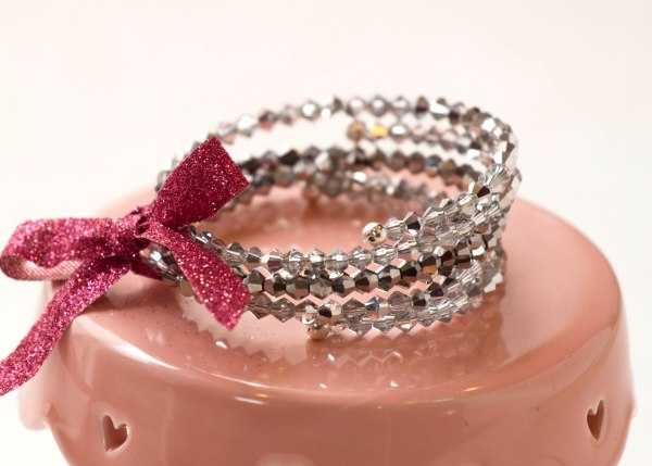 Bracelet Tutorial www.lifeatthecottage.com