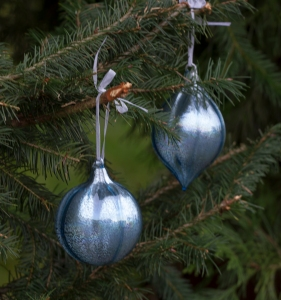 Christmas ornaments before www.lifeatthecottage.com